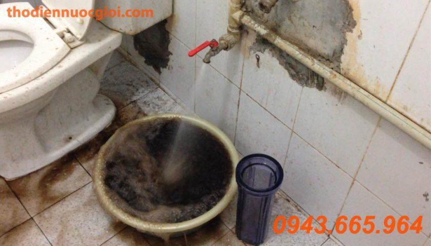 Sục rửa, làm sạch đường ống nước chung cư
